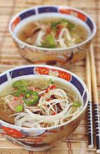 Вьетнамский суп с рисовой лапшой