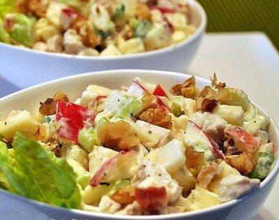 Рецепт приготовления фруктового салата с яблоками и сыром