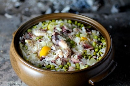Рецепт приготовления риса с осьминогом и зеленым горошком