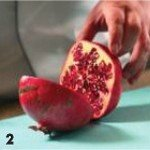 Карамелизованное яблоко с гранатом, штруделем и мороженым 2