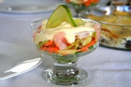 Готовим дома «праздничный» салат-коктейль