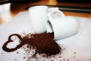 Не переусердствуйте со своей любовью к кофе, ведь он может в больших количествах нанести и вред организму
