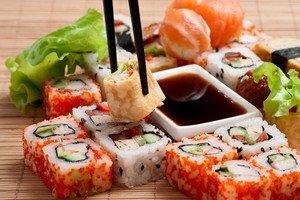 Не менее популярные чем суши, в нашей стране стали роллы