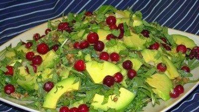 Как приготовить салат «Деликатесный»