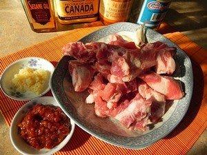 Ингредиенты для приготовления острых свиных ребрышек