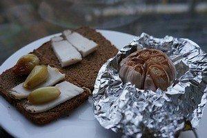Запеченный чеснок - отличная закуска