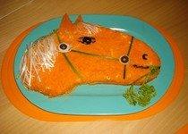 """Приготовление салата """"Лошадь"""""""