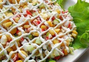 Рецепт приготовления вкусного салата с камчатским крабом