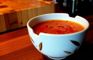 Ингредиенты для приготовления супа с помидорами