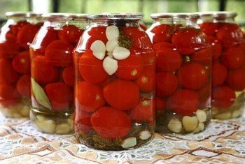 Просто маринованные помидоры