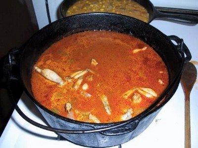 Приготовление лягушачьих лапок в томатном соусе