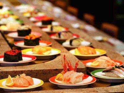 Kaiten-zushi - суши-ресторан, в котором блюда подаются по специальному ленточному транспортеру