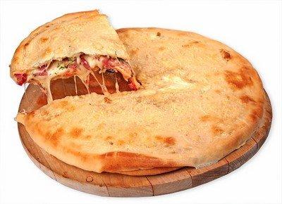 Закрытая слоеная пицца «Улитка»