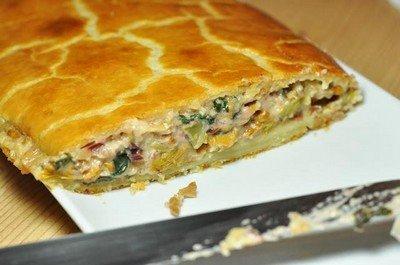 Рецепт приготовления слоеного мясного пирога с брынзой