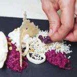 Декорируем блюдо «Пять состояний сыра со свеклой»