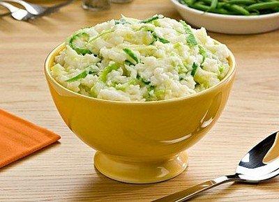 Колканнон - ирландская запеканка из картофельного пюре с добавлением рубленой капусты, лука и ароматных специй
