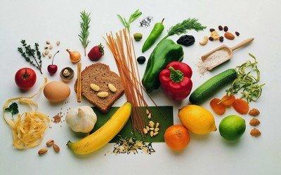 9 самых полезных продуктов, которые обязательно нужно иметь в холодильнике