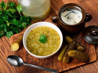 Суп рассольник: рецепт классический с перловкой