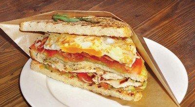 Как приготовить сэндвич с соусом «Цезарь»?
