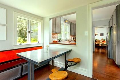 Раздаточное окно на кухне