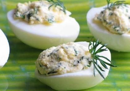Закуска из яиц с сельдью с текилой