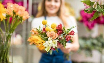 Наша доставка цветов в Черновцах знает как поднять настроение