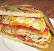 Сэндвич с соусом «Цезарь»