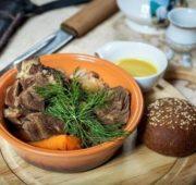 Ойогос - вареное мясо по-якутски
