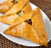 Уч-почмак - татарские пирожки