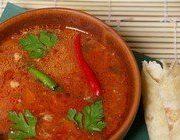 Суп-харчо из говядины с помидорами