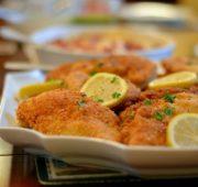 Куриные отбивные в панировочных сухарях