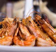 Креветки жареные в винно-цитрусовом соусе